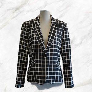 SALE! 🔥Tahari   Black & White Checkered Blazer